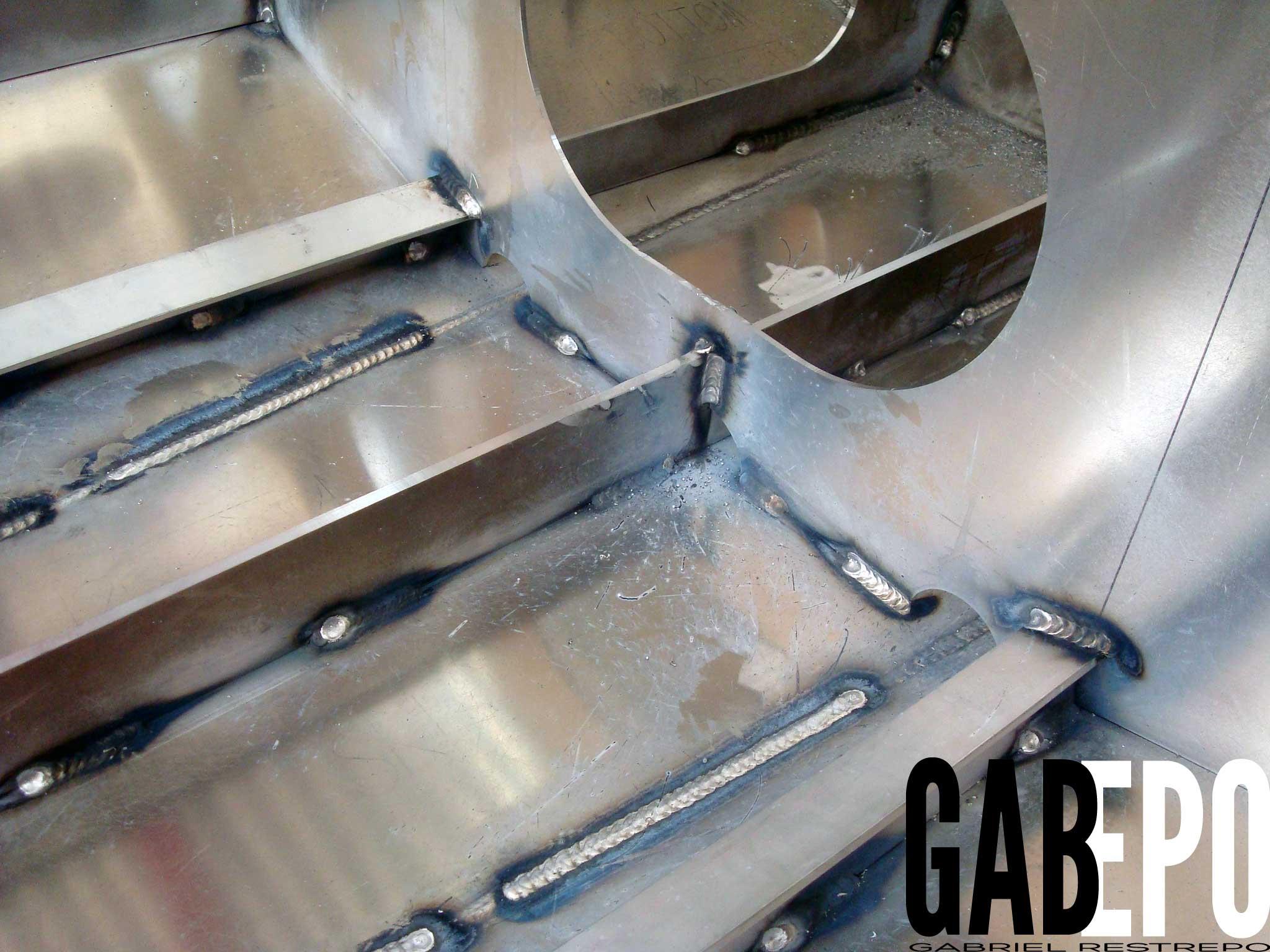 Nuestros productos son elaborados en aluminio, acero al carbono e inoxidable.